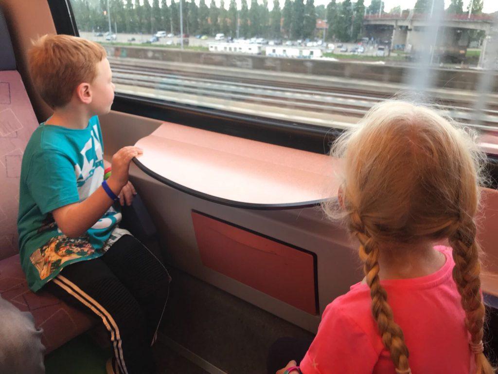 Reizen Met De Trein Alleen En Met Kinderen